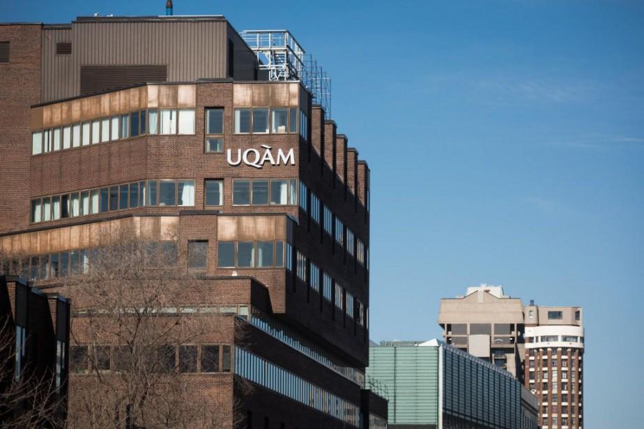 Les membres de l'Association des étudiantes et étudiants de la Faculté des...