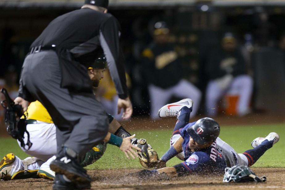 Le Baseball majeur (MLB) et ses joueurs discutent... (ARCHIVES REUTERS)