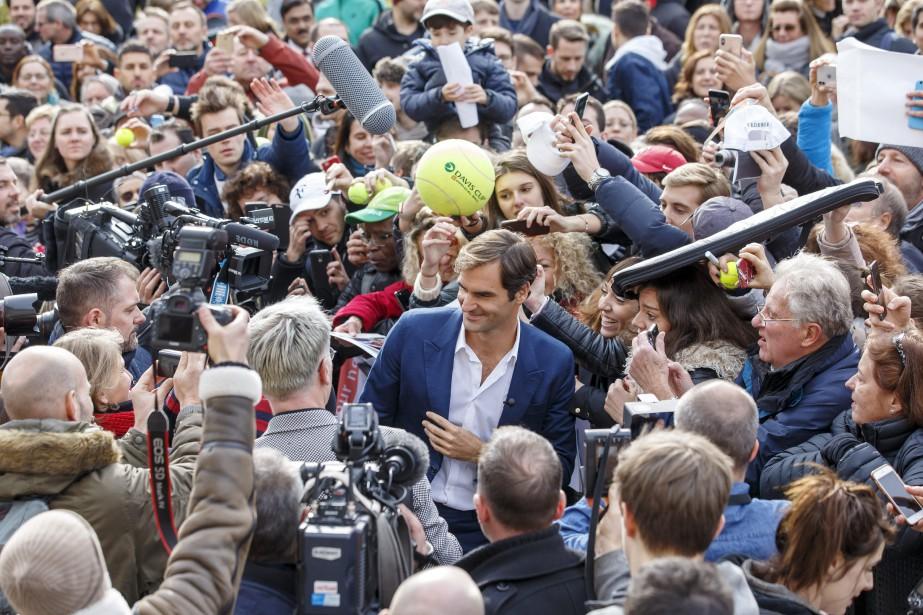 Roger Federer était à Genève vendredi pour le... (Photo Salvatore Di Nolfi, Associated Press)