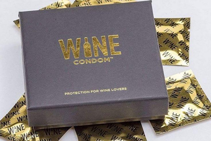 Boîte de six condoms à vin... (Photo tirée du site web de Linen Chest)