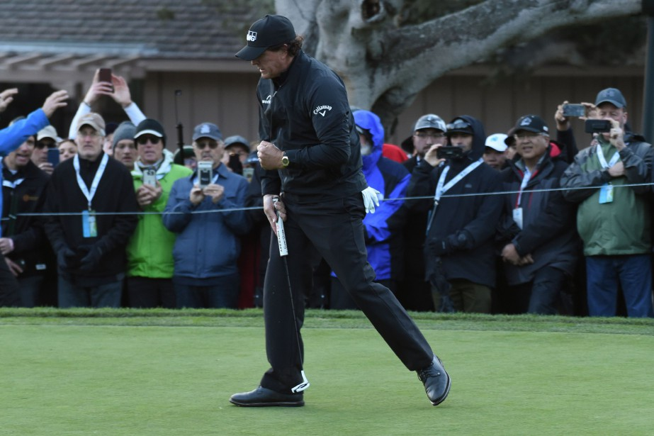 Phil Mickelson... (PHOTO REUTERS)