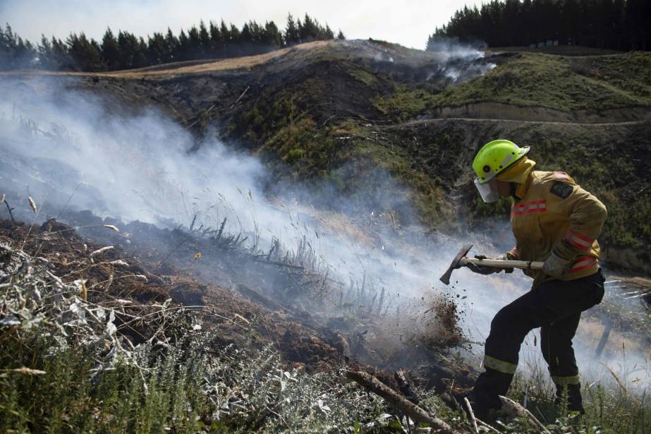 Le principal incendie a vraisemblablement débuté accidentellement, mais... (PHOTO AFP)