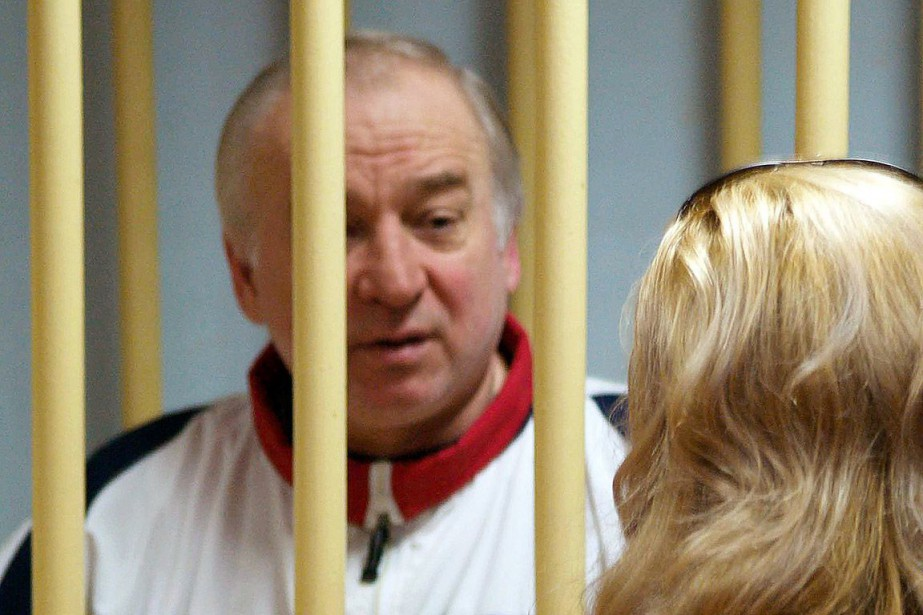 L'ex-agent double Sergueï Skripal et sa fille Ioulia... (Photo YURI SENATOROV, archives Agence France-Presse)