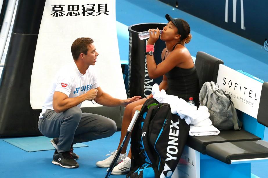 Sascha Bajin et Naomi Osaka lors d'un match... (PHOTO REUTERS)