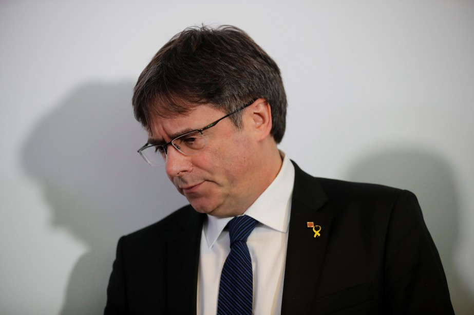 Carles Puigdemont... (Photo Hannibal Hanschke, REUTERS)
