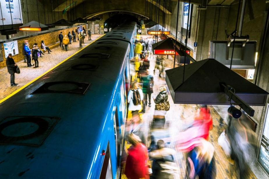 La politique de mobilité durable adoptée par Québec... (sPHOTO OLIVIER PONTBRIAND, ARCHIVES LA PRESSE)