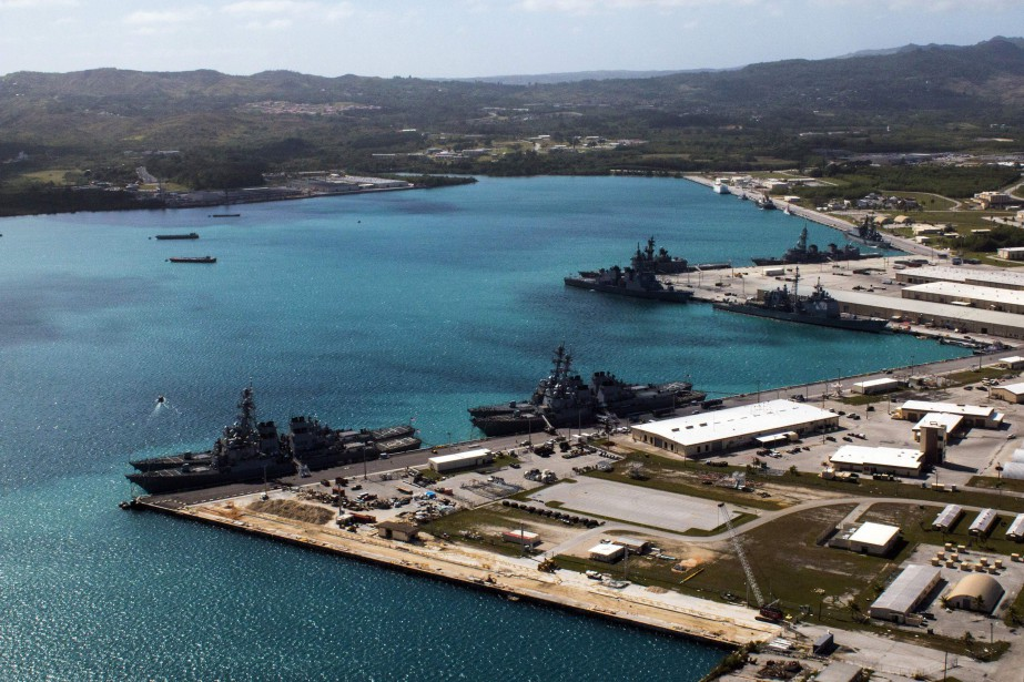 La base navale américaine d'Apra Harbor.... (Photo JEFF LANDIS, archives Agence France-Presse)