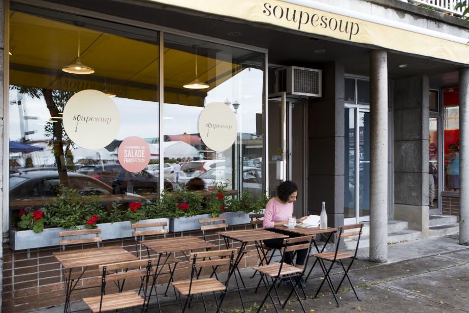 Le restaurant Soupesoup sur la rue Casgrain près... (Photo SimonGiroux, archives La Presse)