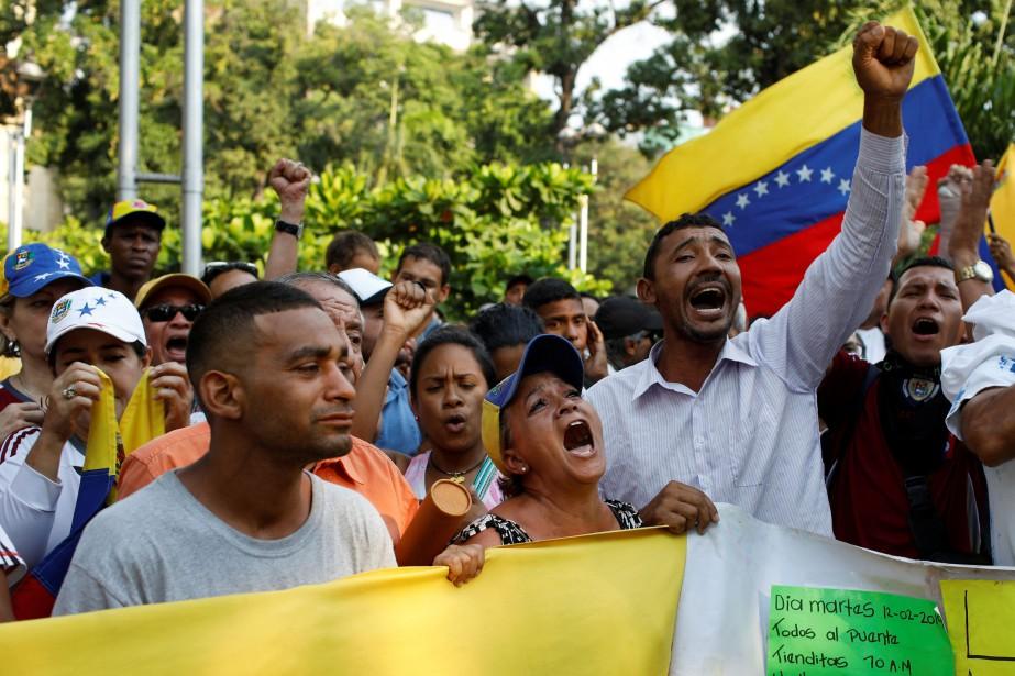 La débâcle économique au Venezuela, marquée par des... (PHOTO REUTERS)