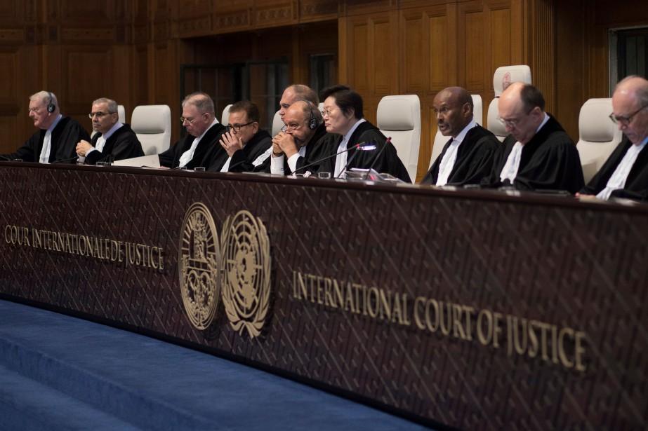 Les juges ont rejeté la requête américaine pour... (Photo Peter Dejong, Associated Press)
