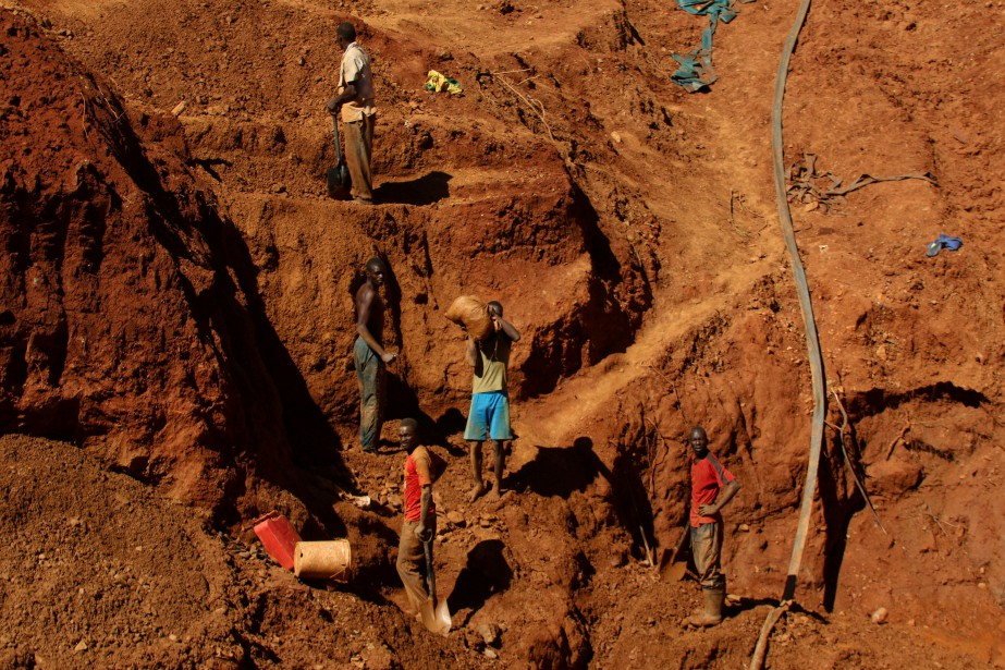 «Nous avons appris qu'au moins 23 personnes sont... (Photo Philimon Bulawayo, REUTERS)