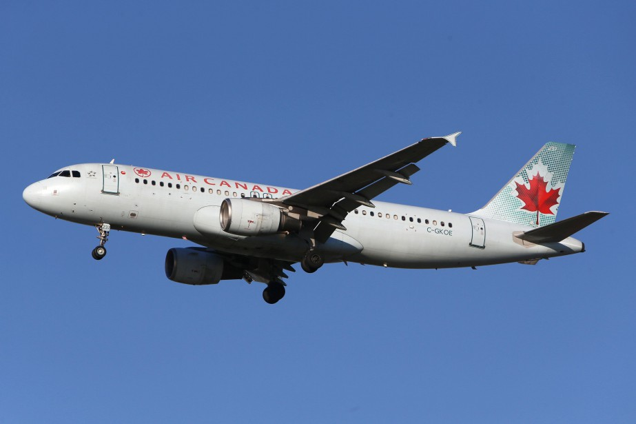 Le bénéfice ajusté d'Air Canada, qui exclut l'impact... (Photo BEN NELMS, REUTERS)