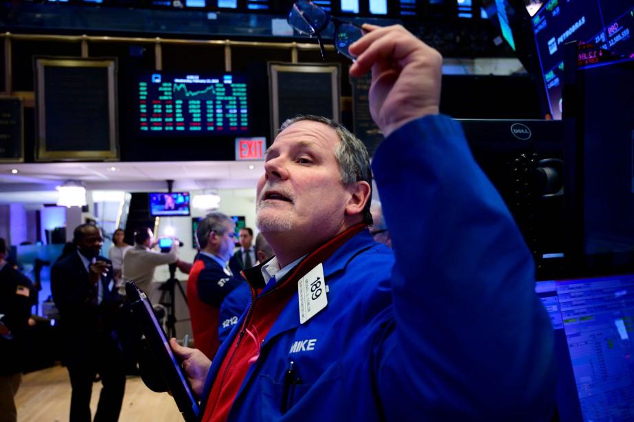 À New York, la moyenne Dow Jones des... (Photo JOHANNES EISELE, Agence France-Presse)