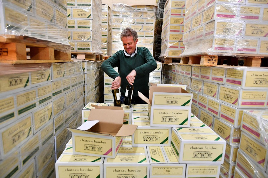 Gavin Quinney, propriétaire et vigneron au Chäteau Bauduc... (Photo GEORGES GOBET, AFP)