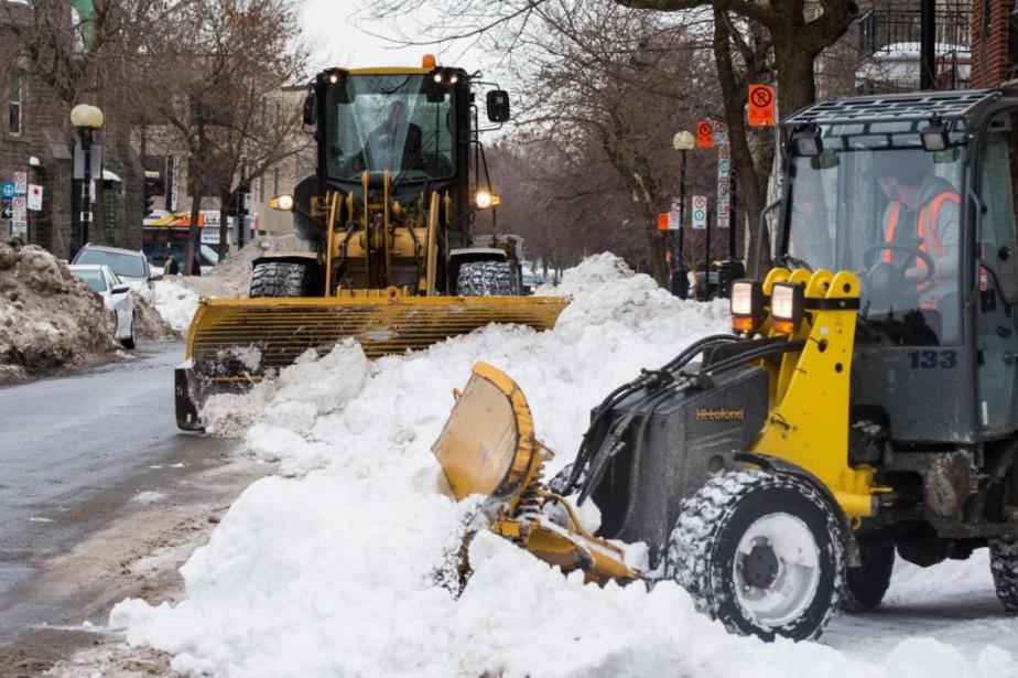Le déneigement progresse à Montréal,... (Photo Olivier Pontbriand, La Presse)