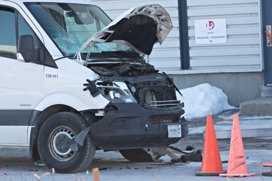 Des enquêteurs spécialisés en reconstitution de scènes d'accidents... (Photo Patrick Sanfaçon, La Presse)