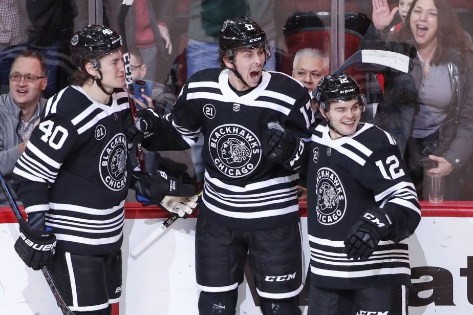 Dylan Strome (au centre) a amassé trois autres... (Photo Kamil Krzaczynski, USA Today Sports)