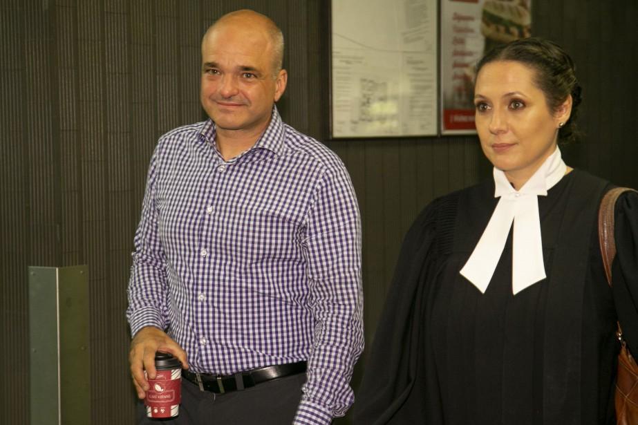 StéphaneRoy avec son avocate, Me NellieBenoit... (Photo DavidBoily, archives La Presse)