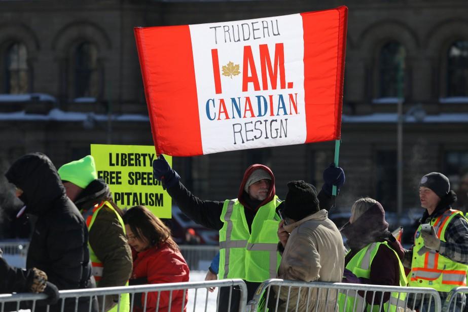 Le convoi «United We Roll» s'est mis en... (Photo CHRIS WATTIE, REUTERS)