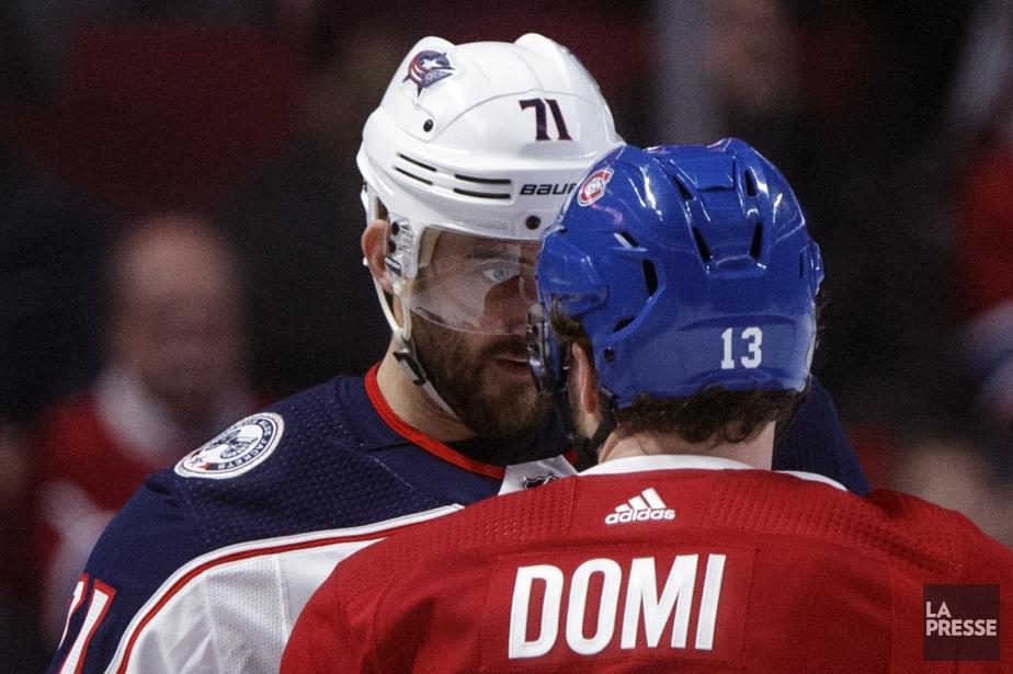 Max Domi confronte Nick Foligno... (Photo Olivier Jean, La Presse)