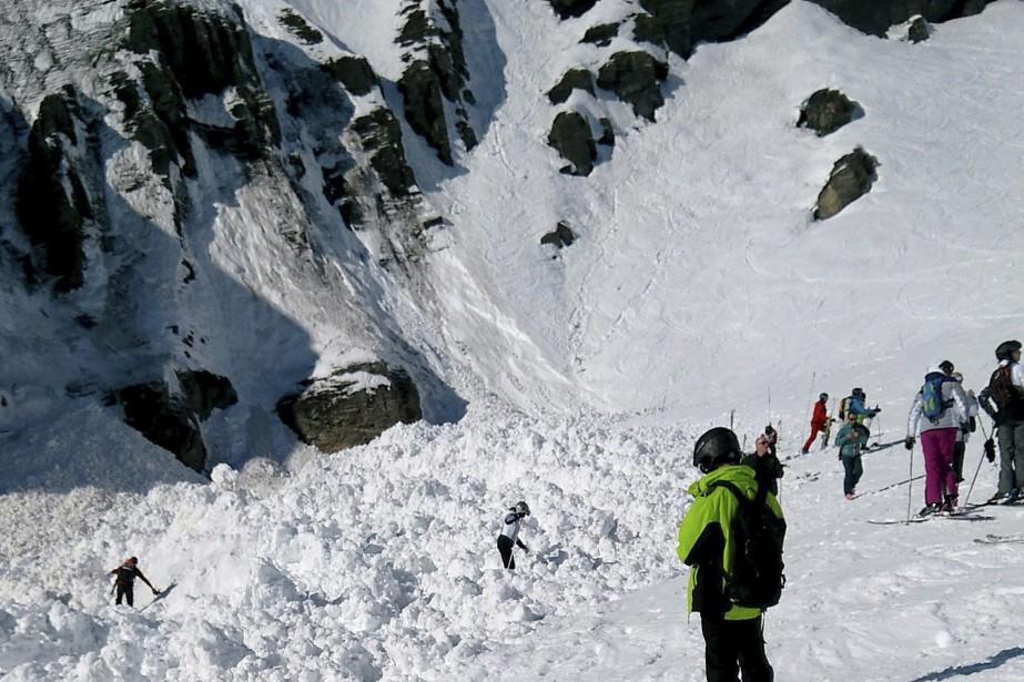 L'avalanche s'est produite vers 14h15 (8h15 à Montréal)... (Photo DENIS MENTHA, AP)