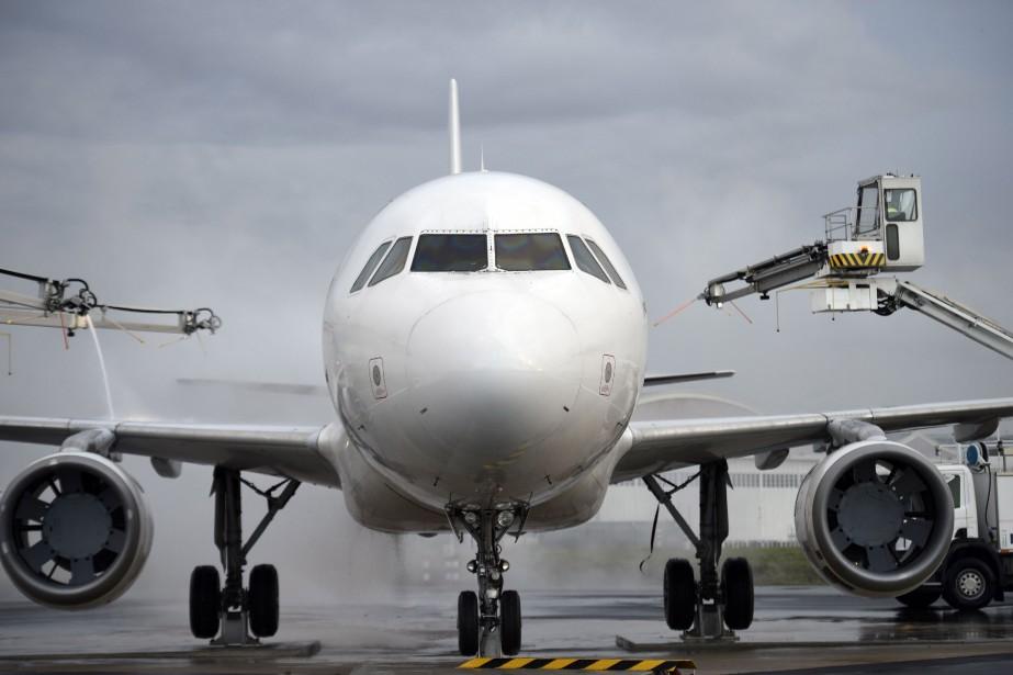 Les règles proposées concernant les droits des passagers... (ARCHIVES AFP)