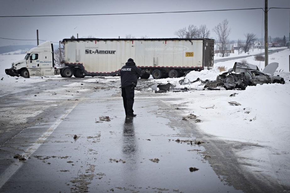 La collision est survenue sur la route 148,... (Photo Patrick Sanfaçon, La Presse)