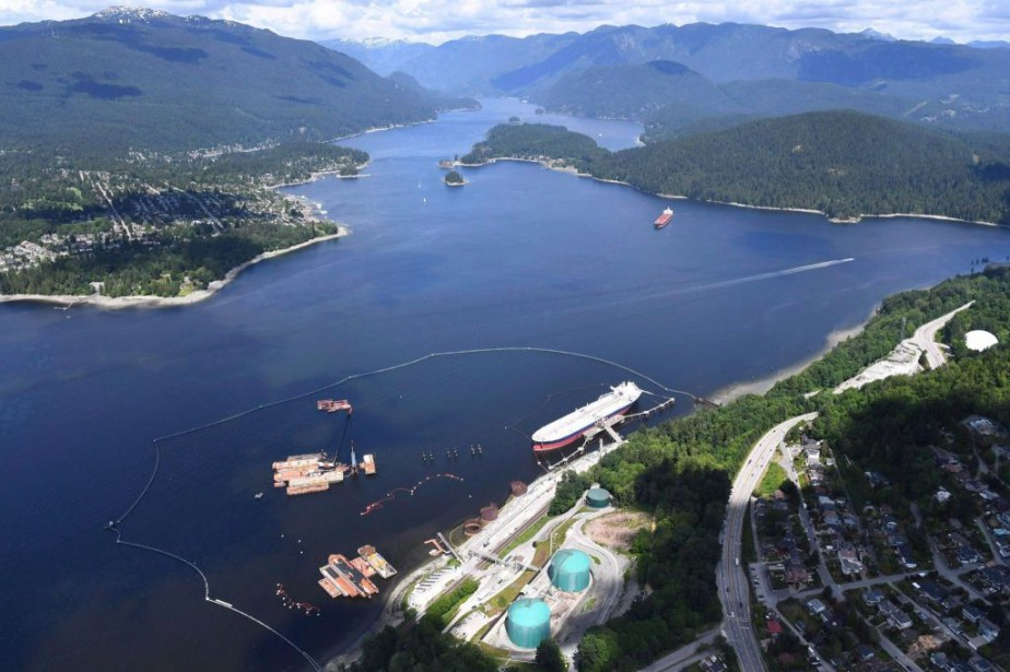 Le port de Burnaby, en banlieue de Vancouver,... (Photo Jonathan Hayward, Archives La Presse canadienne )