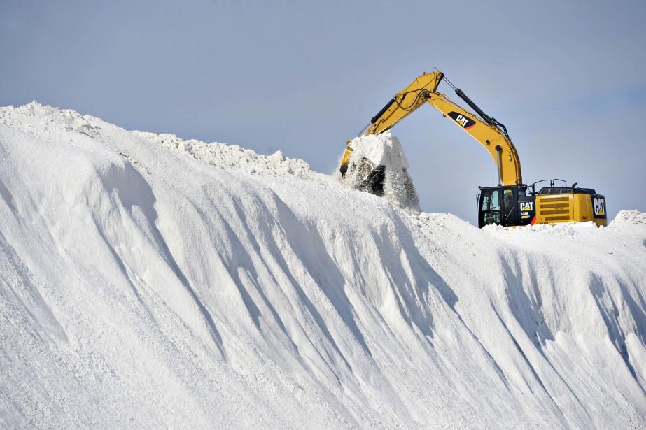 Un dépôt à neige à Québec.... (Photo Pascal Ratthé, archives Le Soleil)