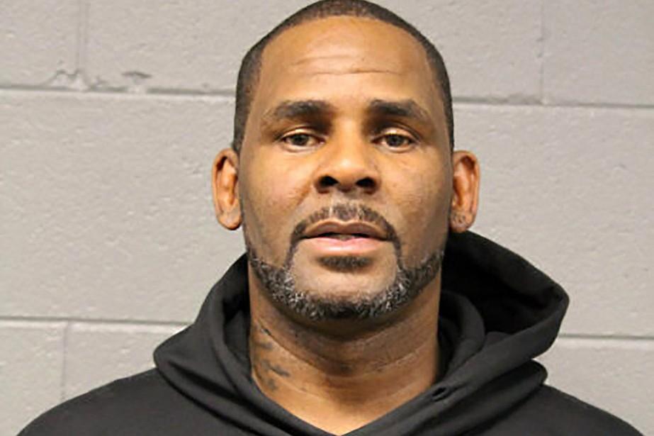 Le chanteur R. Kelly s'est présenté à la... (Photo POLICE DE CHICAGO via REUTERS)