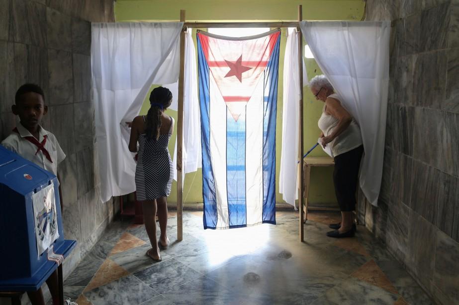 Les Cubains ont approuvé à plus de 86% la réforme... (PHOTO STRINGER, REUTERS)