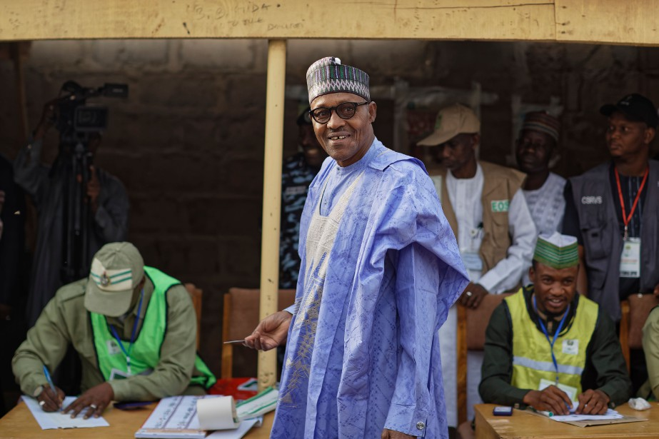 Muhammadu Buhari a voté le 23février dans sa... (PHOTO BEN CURTIS, AP)