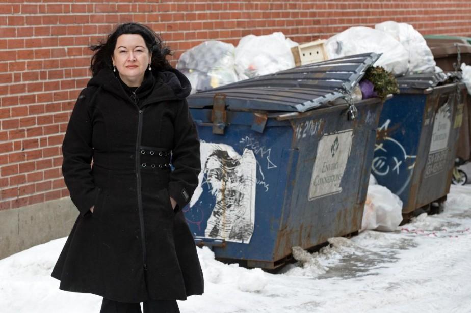 Militante anti-gaspillage, la Montréalaise Atlantide Desrochers souhaiterait que... (PHOTO ROBERT SKINNER, LA PRESSE)