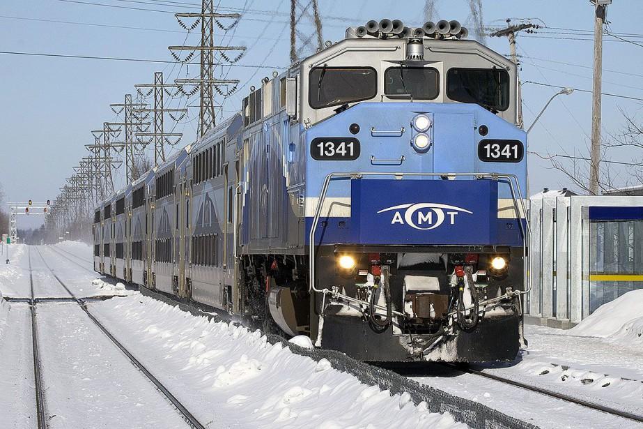 Une voie obstruée par un train de... (PHOTO ROBERT SKINNER, ARCHIVES LA PRESSE)