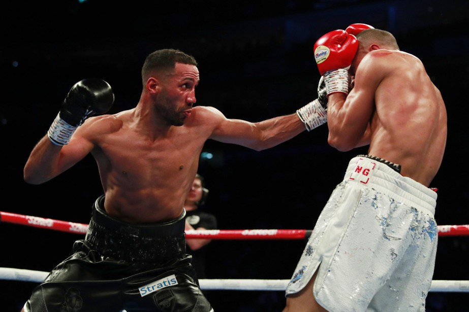 James DeGale (à gauche) s'est incliné devant Chris... (PHOTO ANDREW COULDRIDGE, REUTERS)