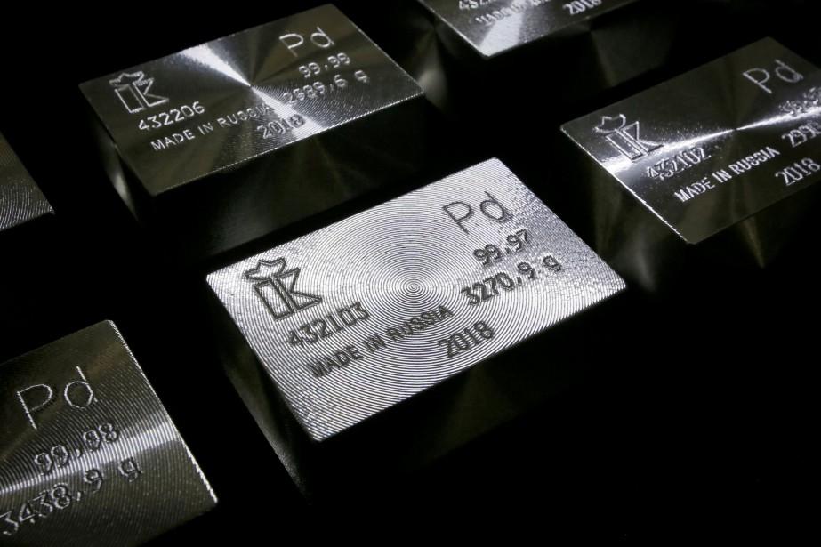 Des lingots de palladium pur à 99,98 %... (PHOTO ILYA NÉMOUCHINE, REUTERS)