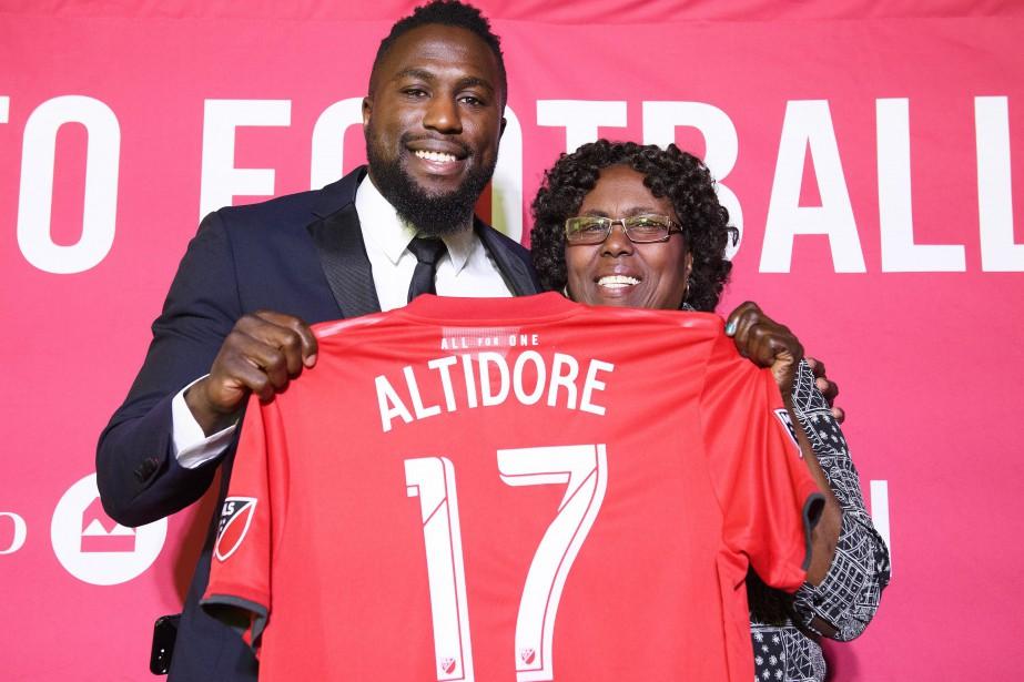 Jozy Altidore a marqué 60 buts et ajouté... (PHOTO NATHAN DENETTE, LA PRESSE CANADIENNE)