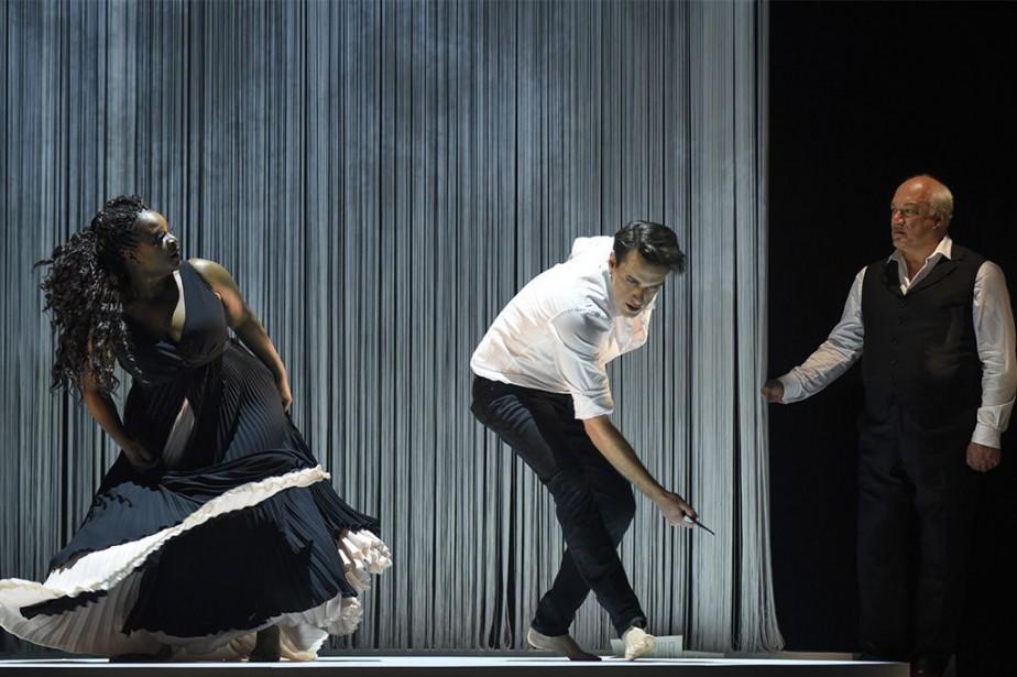 Marie-Josée Lord, Jean-Michel Richer etÉric-Emmanuel Schmitt dans la... (PHOTOYVES RENAUD, FOURNIE PAR LE TNM)