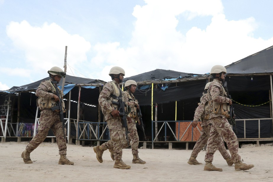 Plus de 400 soldats ont été déployés par... (PHOTO GUADALUPE PARDO, ASSOCIATED PRESS)