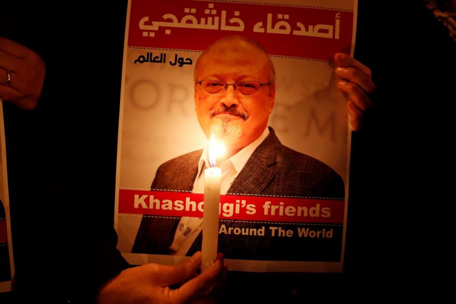 Une affiche avec la photo de Jamal Khashoggi.... (PHOTO OSMAN ORSAL, ARCHIVES REUTERS)