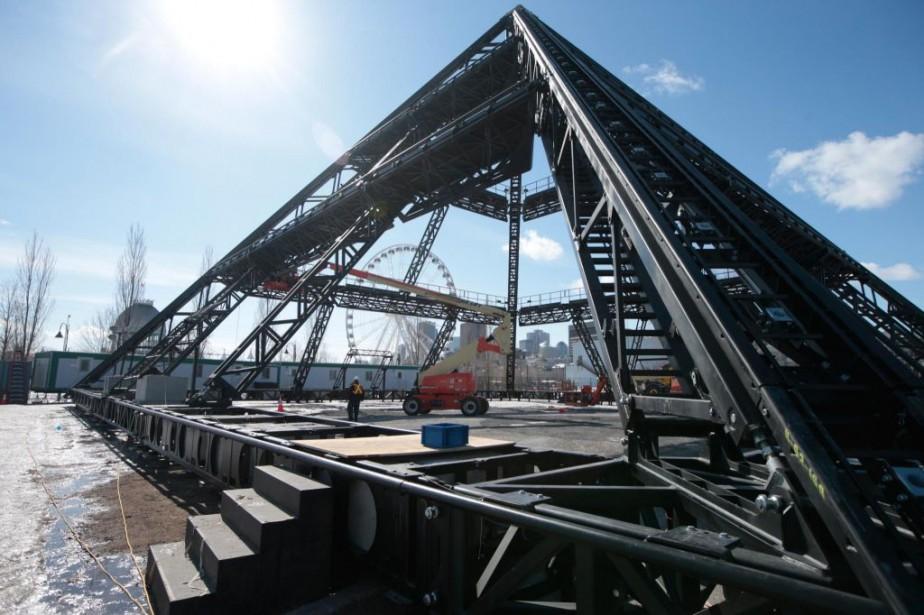 Peut-être avez-vous vu cette curieuse structure qui se dresse sur le quai de...