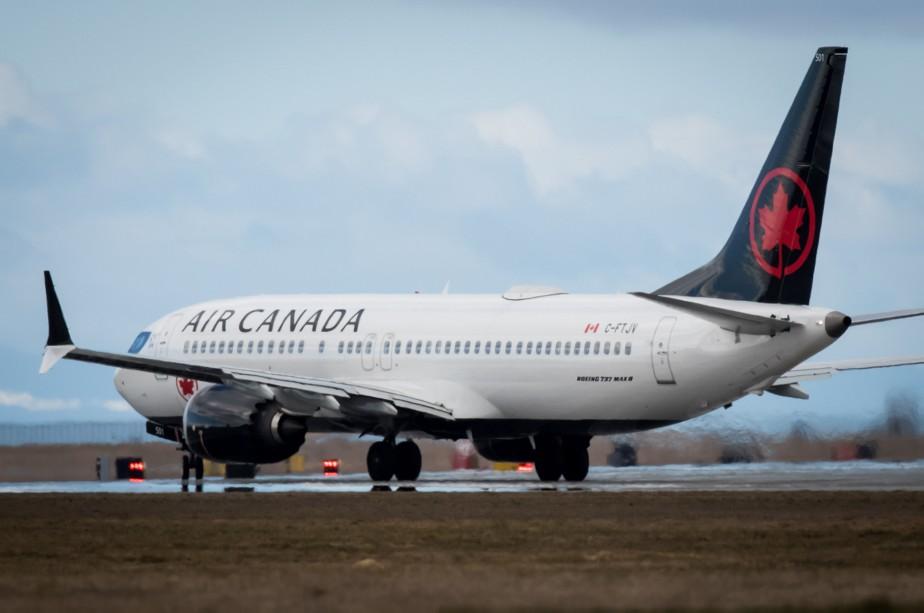Un Boeing 737 MAX semblable à celui impliqué... (PHOTO DARRYL DYCK, LA PRESSE CANADIENNE)
