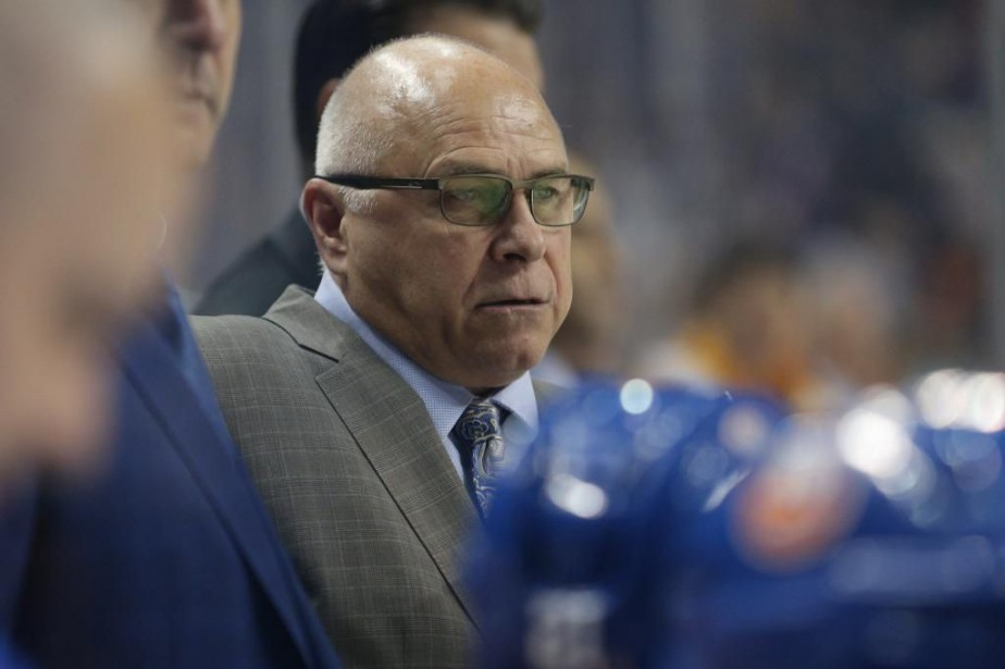 L'entraîneur-chef des Islanders de New York, Barry Trotz.... (PHOTO BRAD PENNER, ARCHIVES USA TODAY SPORTS)