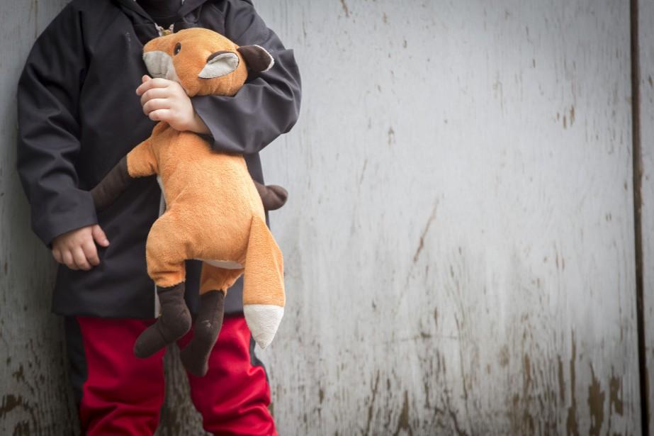 Près de 1100 enfants sont actuellement en famille... (PHOTO OLIVIER JEAN, ARCHIVES LA PRESSE)