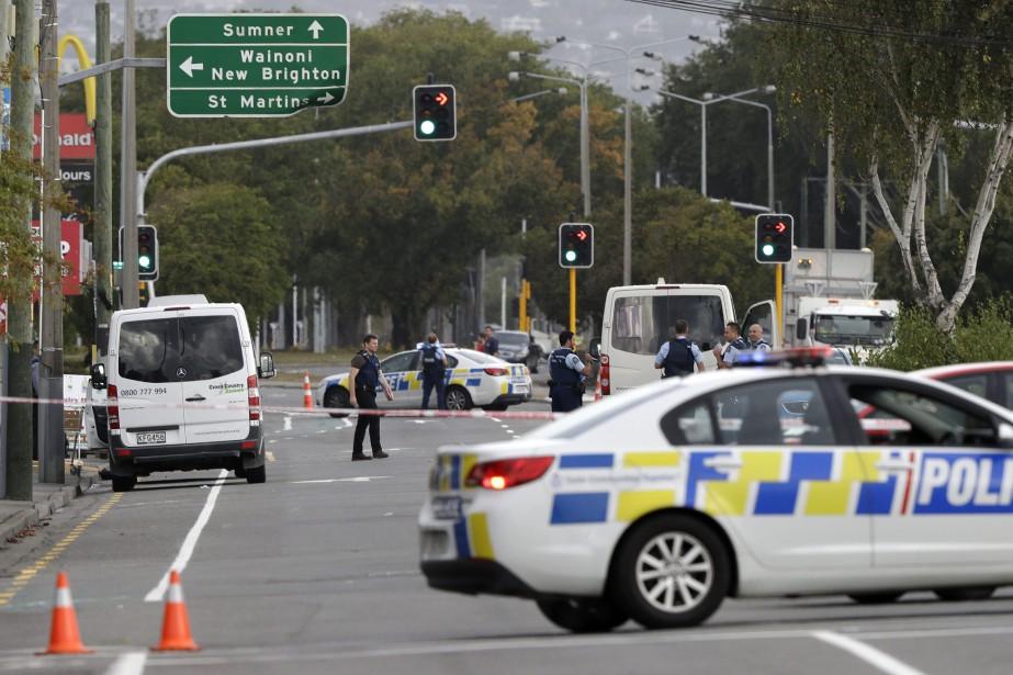 Les autorités néo-zélandaises ont annoncé trois arrestations, ajoutant... (PHOTO MARK BAKER, AP)