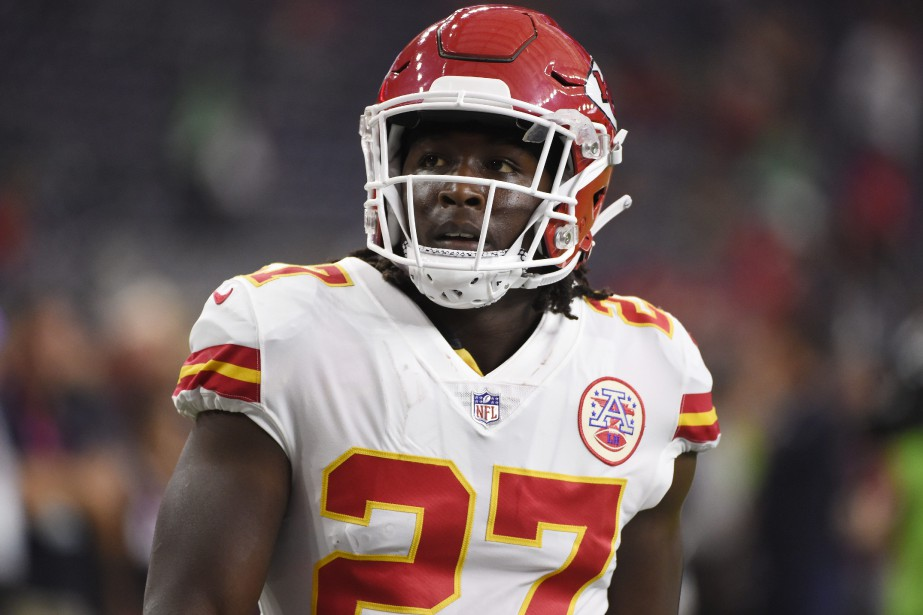Le demi offensif Kareem Hunt a conclu une... (PHOTO ERIC CHRISTIAN SMITH, ARCHIVES ASSOCIATED PRESS)