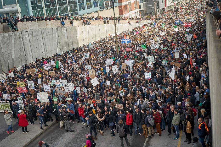 Une grande marche pour le climat a eu lieu... (PHOTO ANDRÉ PICHETTE, LA PRESSE)