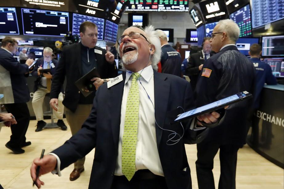 Vendredi, les acteurs du marché ont pu compter... (PHOTO RICHARD DREW, AP)