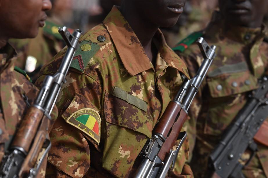 Vingt-et-un militaires maliens ont été tués dimanche... (PHOTO ALAIN JOCARD, AFP)