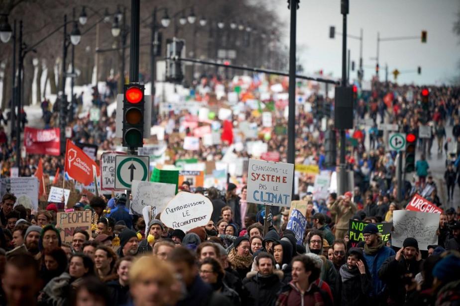 Des manifestations pour le climat ont eu lieu... (PHOTO ANDRÉ PICHETTE, LA PRESSE)